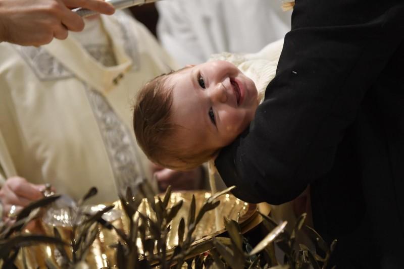 Baptême d'enfants dans la chapelle Sixtine, 12 janvier 2020 © Vatican Media
