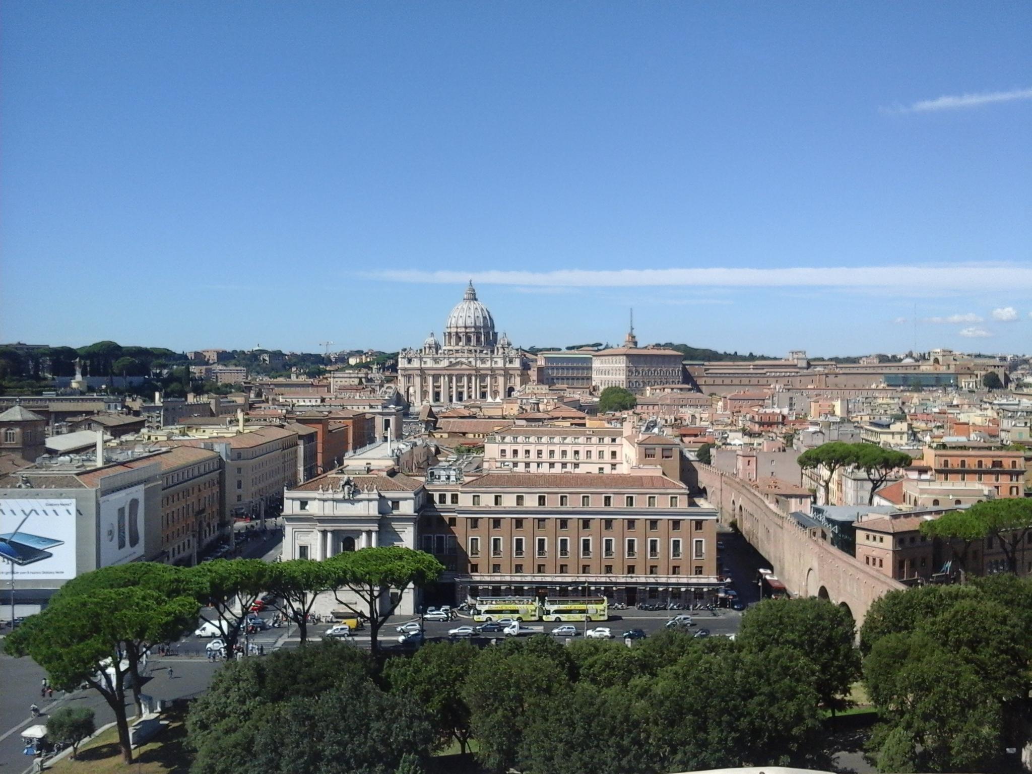 Palazzo Pio @ wikimedia commons / SIG SG 510
