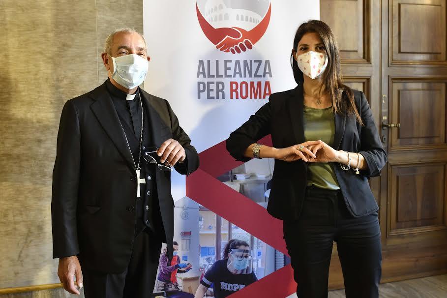 Le card. De Donatis et Mme Raggi © Caritas Rome