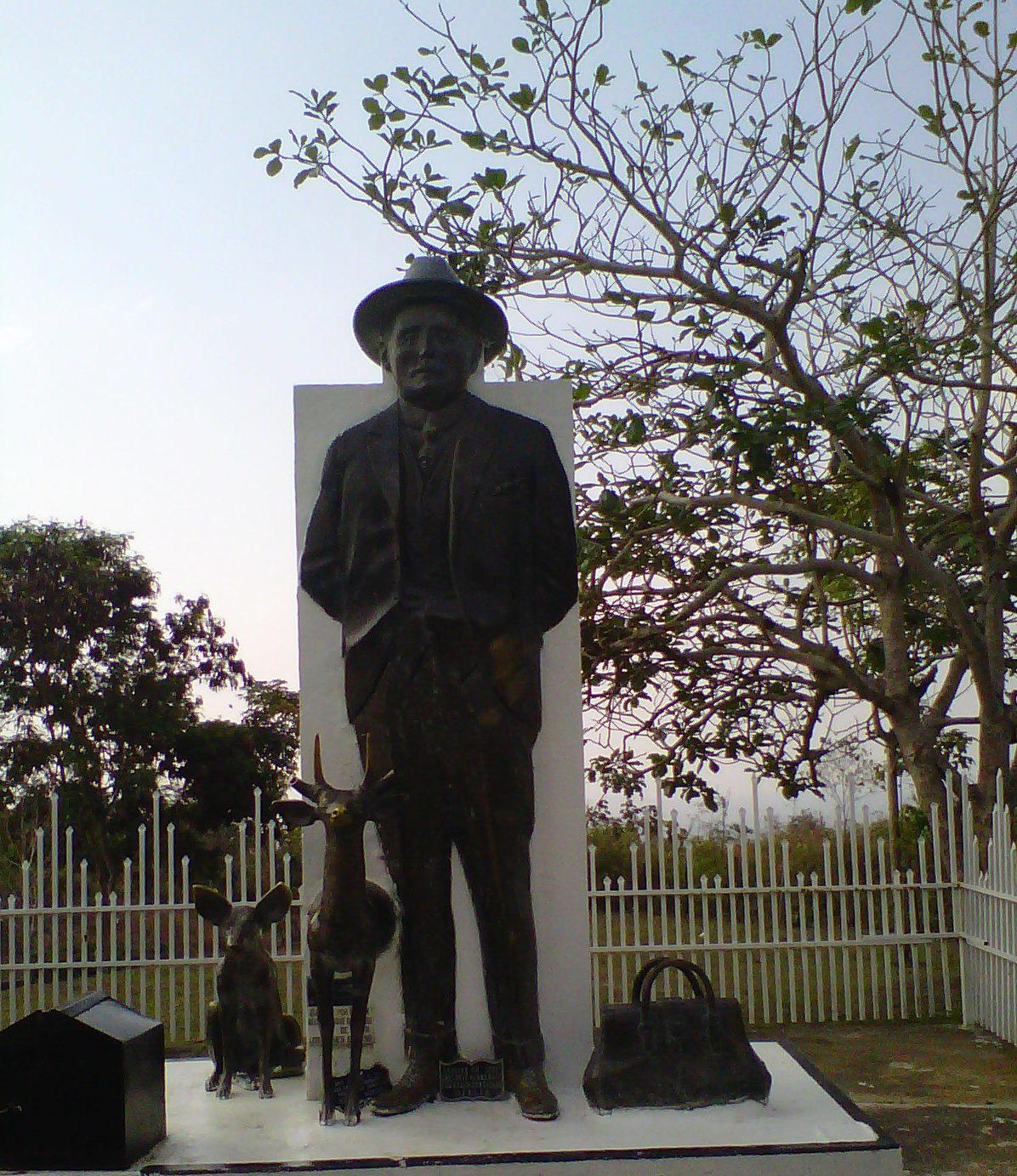 Statue de José Gregorio Hernández, sanctuaire d'Isnotu (Venezuela) @ Wikimedia Commons / Yonny Jose Avila Berrios