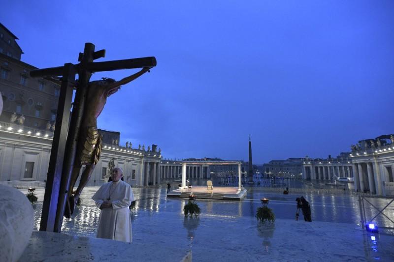 Prière du pape François le 27 mars 2020 © Vatican Media