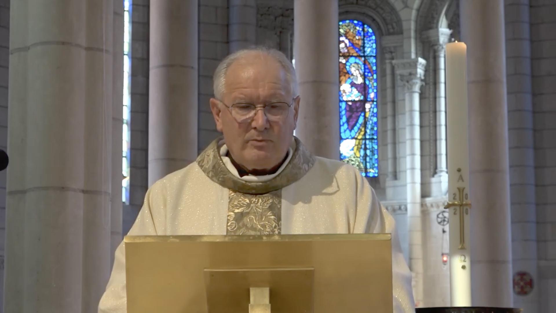 Mgr Laurent Bréguet, capture @ Youtube de Saint-Laud d'Angers