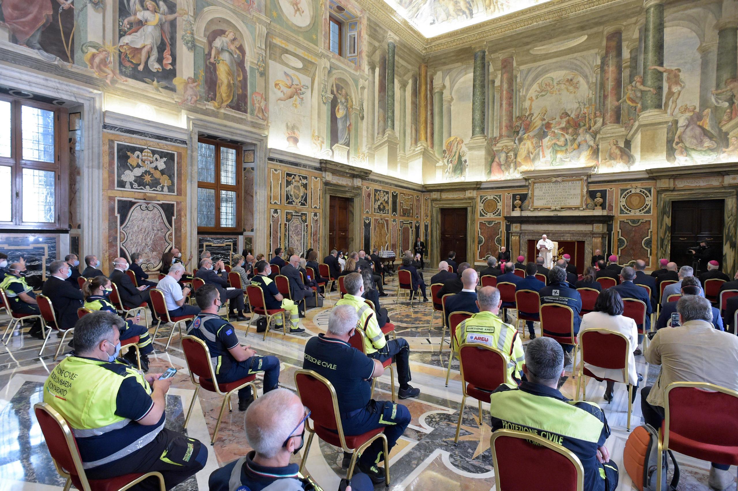 Le personnel soignant de Lombardie © Vatican Media
