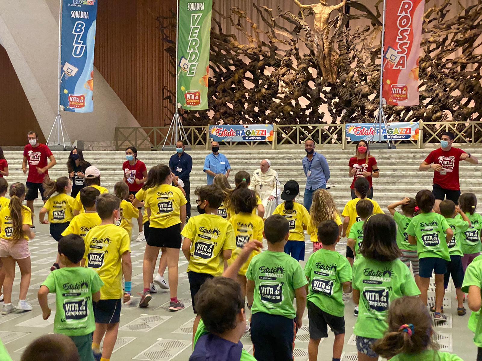 Enfants du camp d'été au Vatican © Play It S.S.D. a.r.l