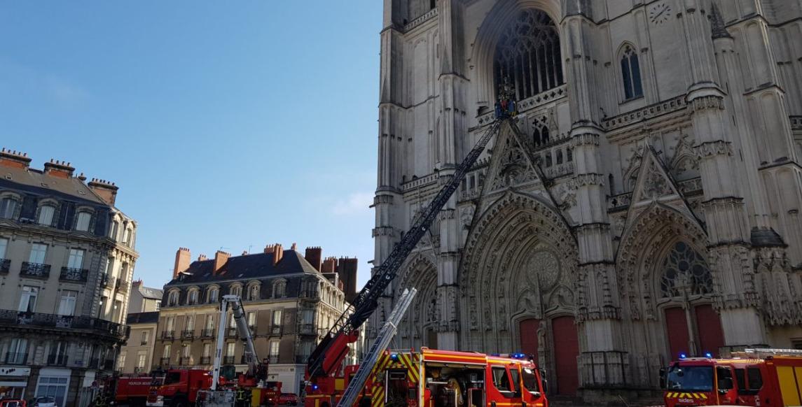 Pompiers à la cathédrale de Nantes © Diocèse de Nantes diocese44.fr