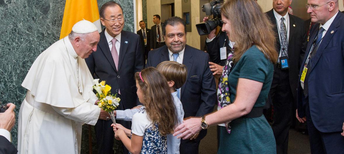 Visite du pape à l'ONU en 2015, courtoisie de l'ONU / Mark Garten