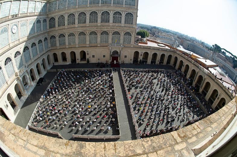 Audience du 9 septembre 2020, Cour Saint-Damase © Vatican Media