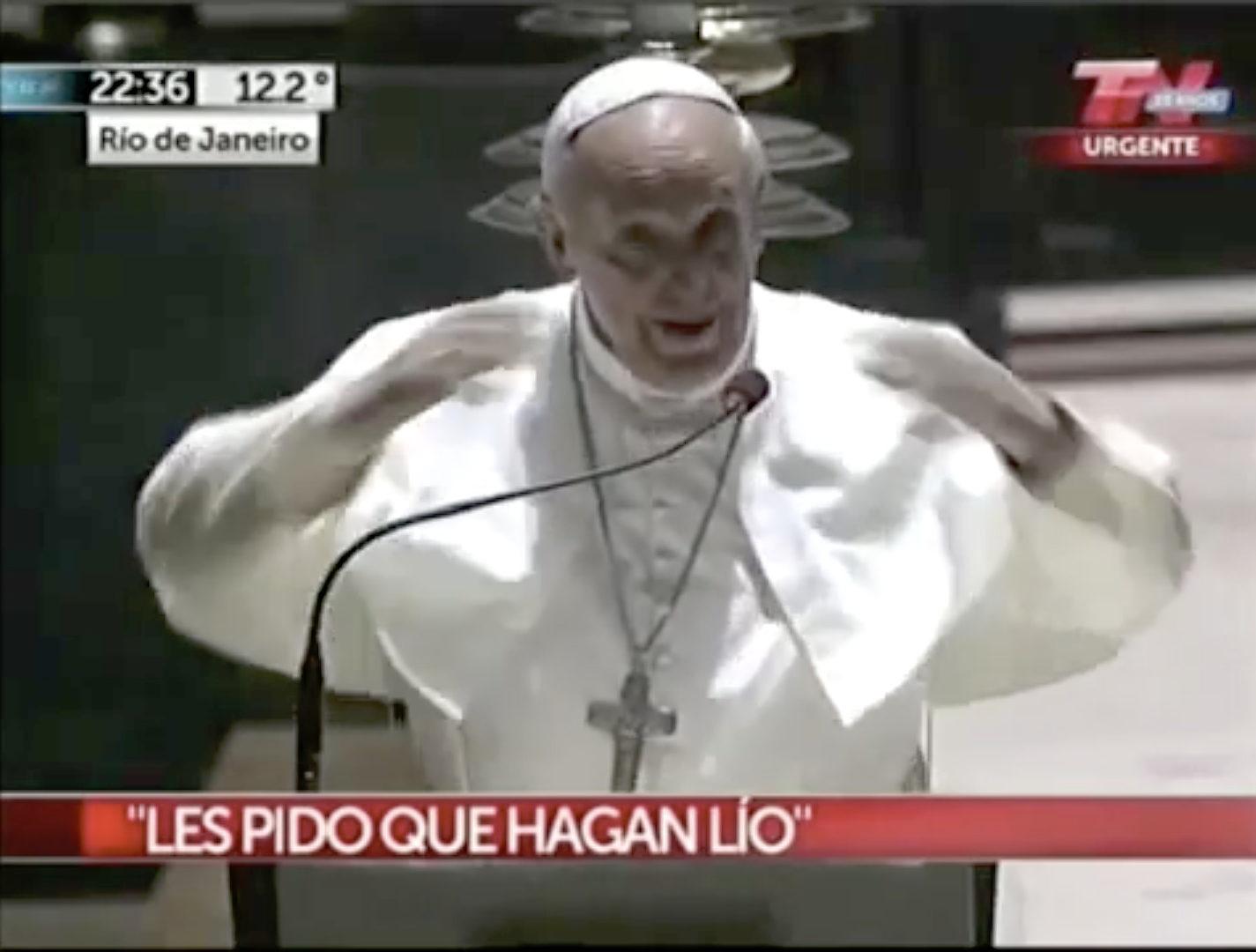 JMJ de Rio, rencontre avec les jeunes Argentins, cathédrale S. Sebastian, capture @ YouTube