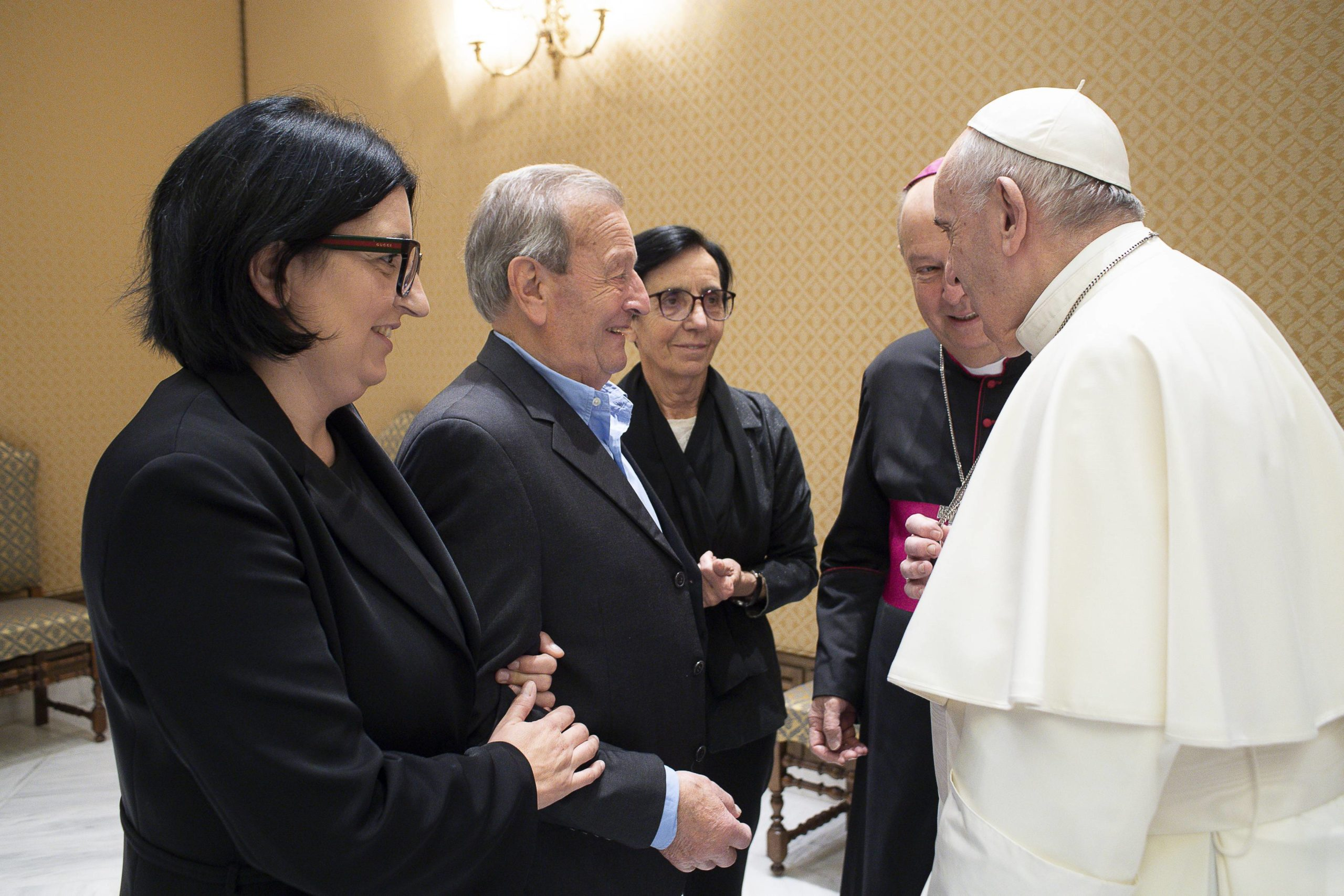 Famille du p. Roberto Malgesini, tué à Côme © Vatican Media
