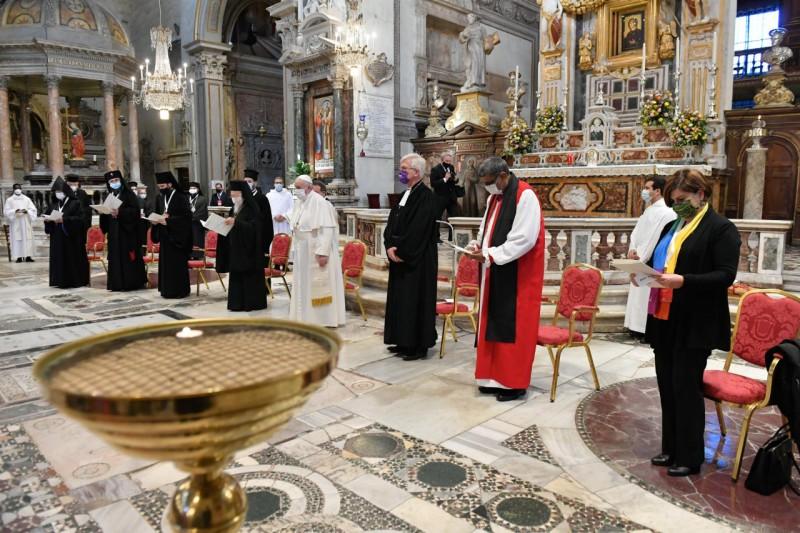 Prière œcuménique pour la paix à Santa Maria in Aracoeli, 20 octobre 2020 © Vatican Media