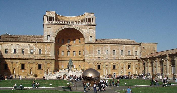 La Cour de la Pomme de pin @ musei-vaticani.it