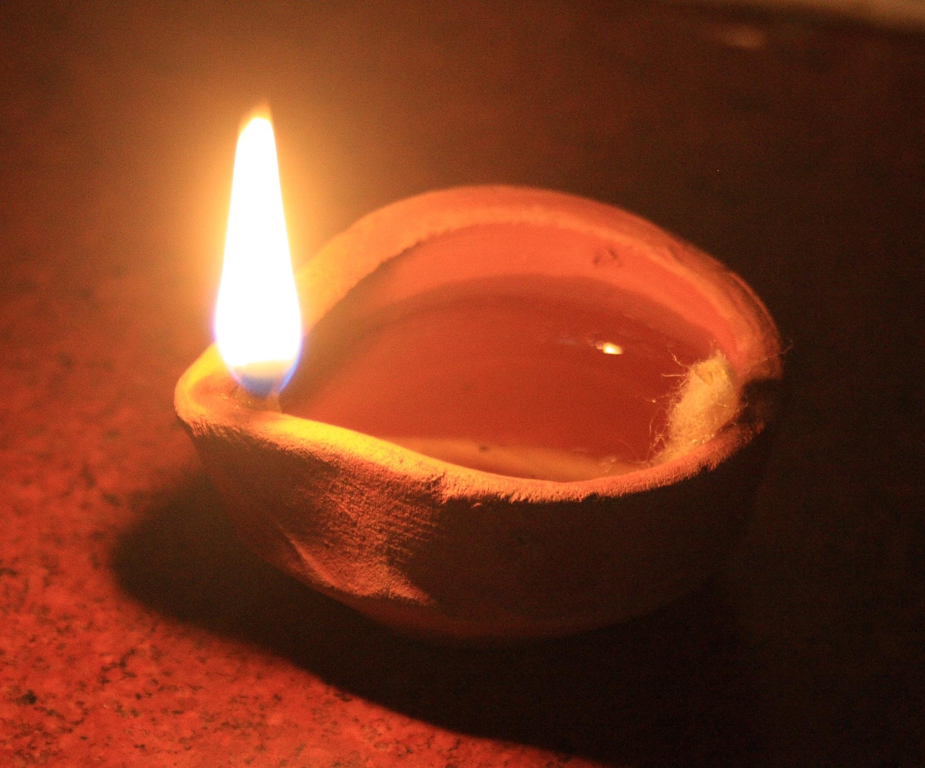 Lampe à huile © wikipedia