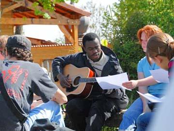 Rencontre de jeunes @ taize.fr