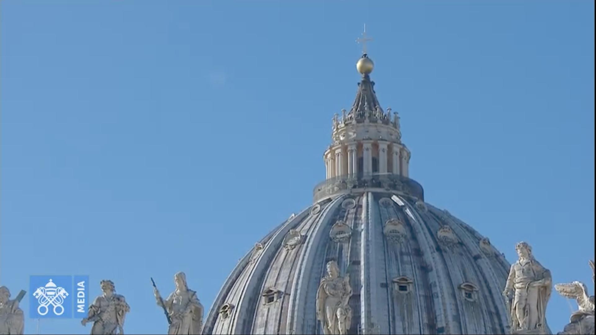 Coupole de Saint-Pierre, Angélus du 13 déc. 2020, capture @ Vatican Media