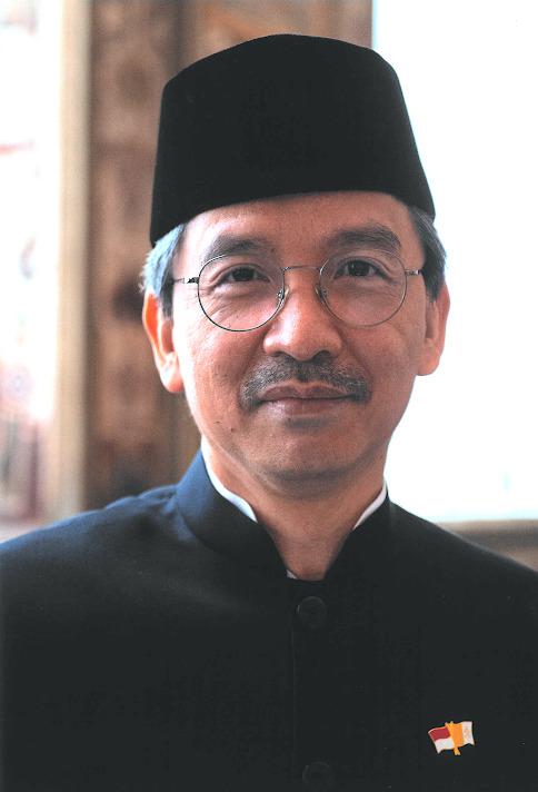 M. L. Amrih Jinangkung, ambassadeur d'Indonésie près le Saint-Siège, courtoisie de l'Ambassade d'Indonésie