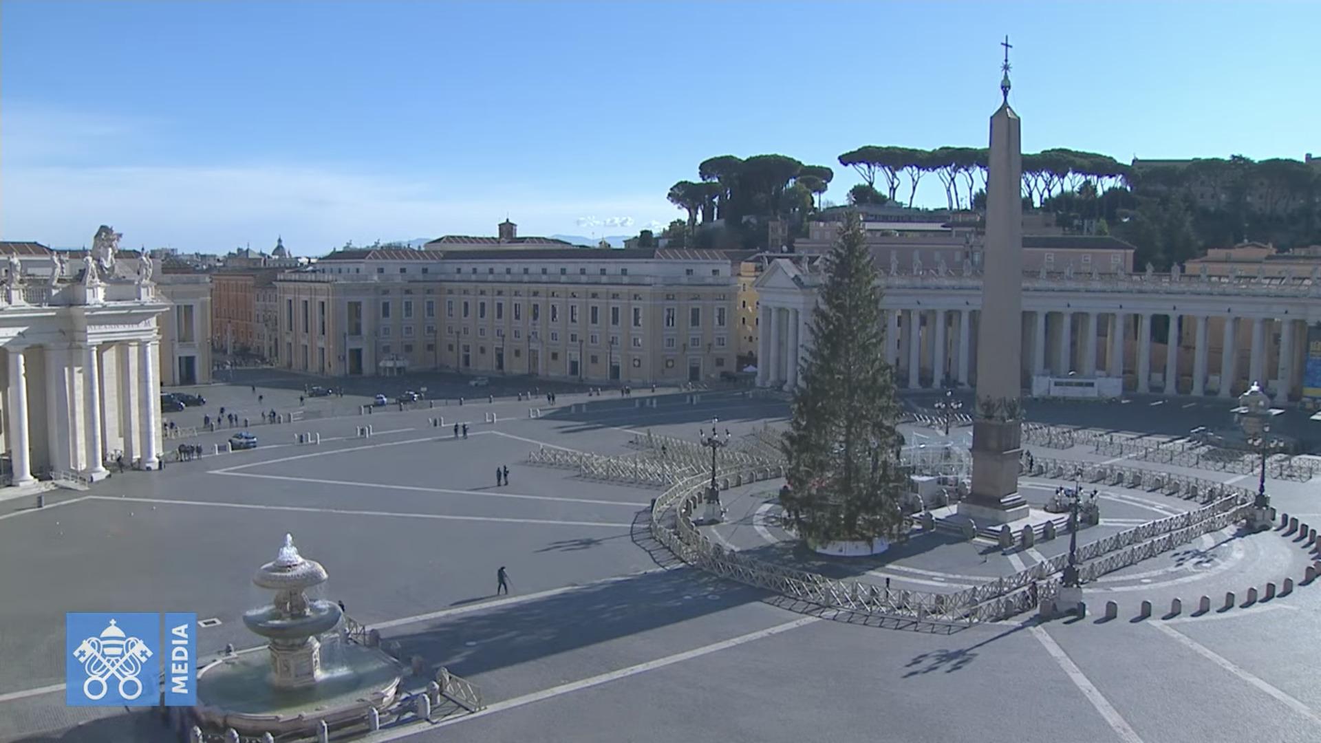 Place Saint-Pierre, angélus du 27 déc. 2020, capture @ Vatican Media