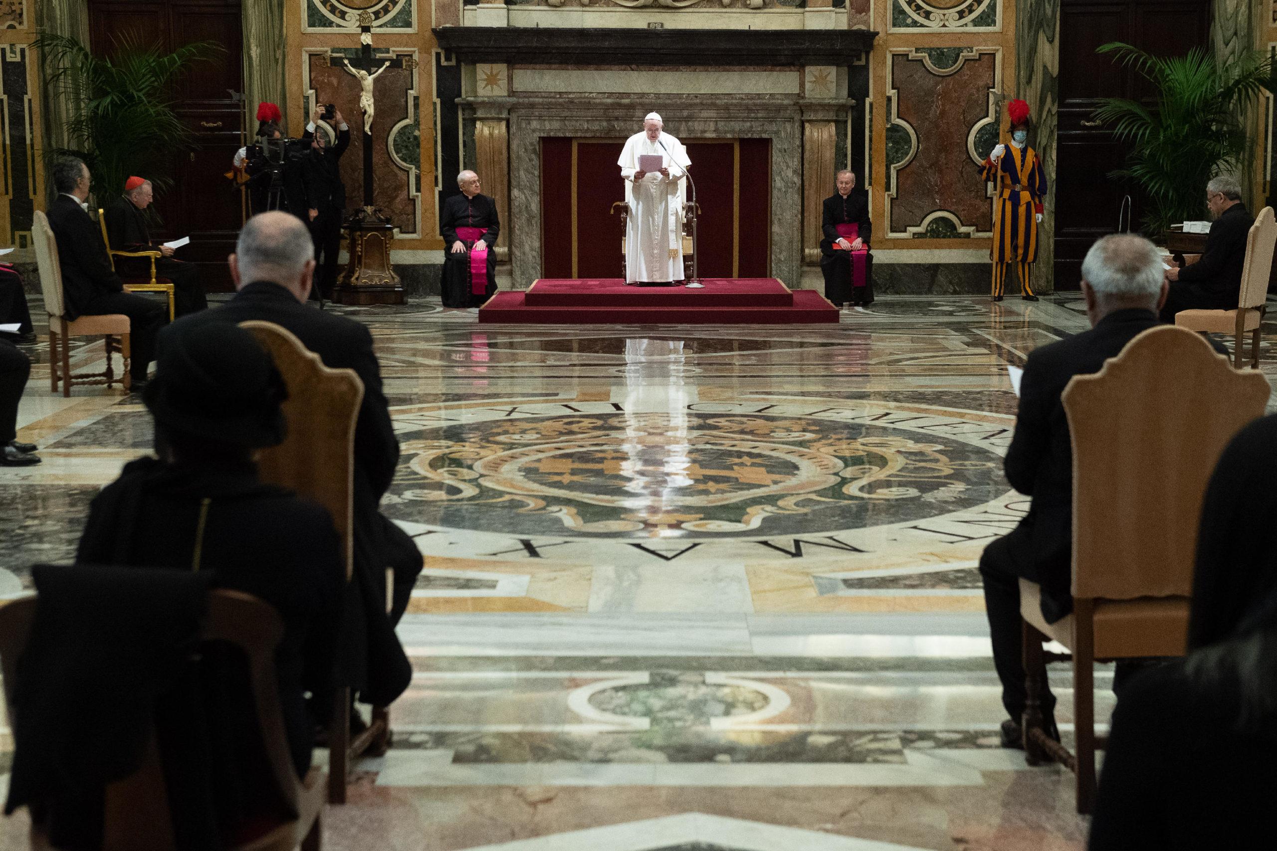 Le pape reçoit des ambassadeurs, 4 décembre 2020 ©Vatican Media