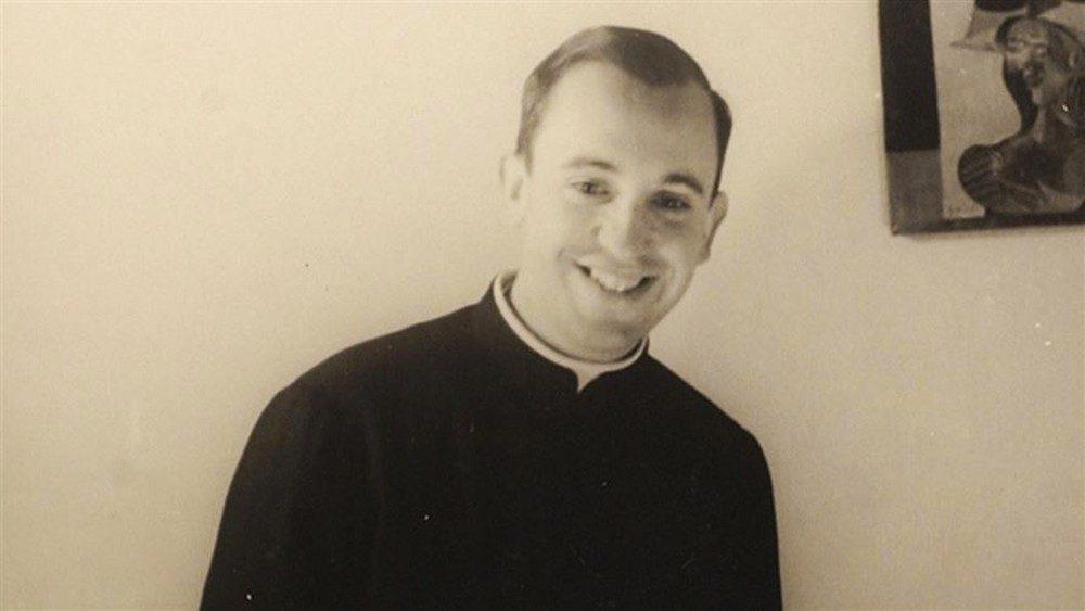 Jorge Mario Bergoglio jeune jésuite © Compañía De Jesús