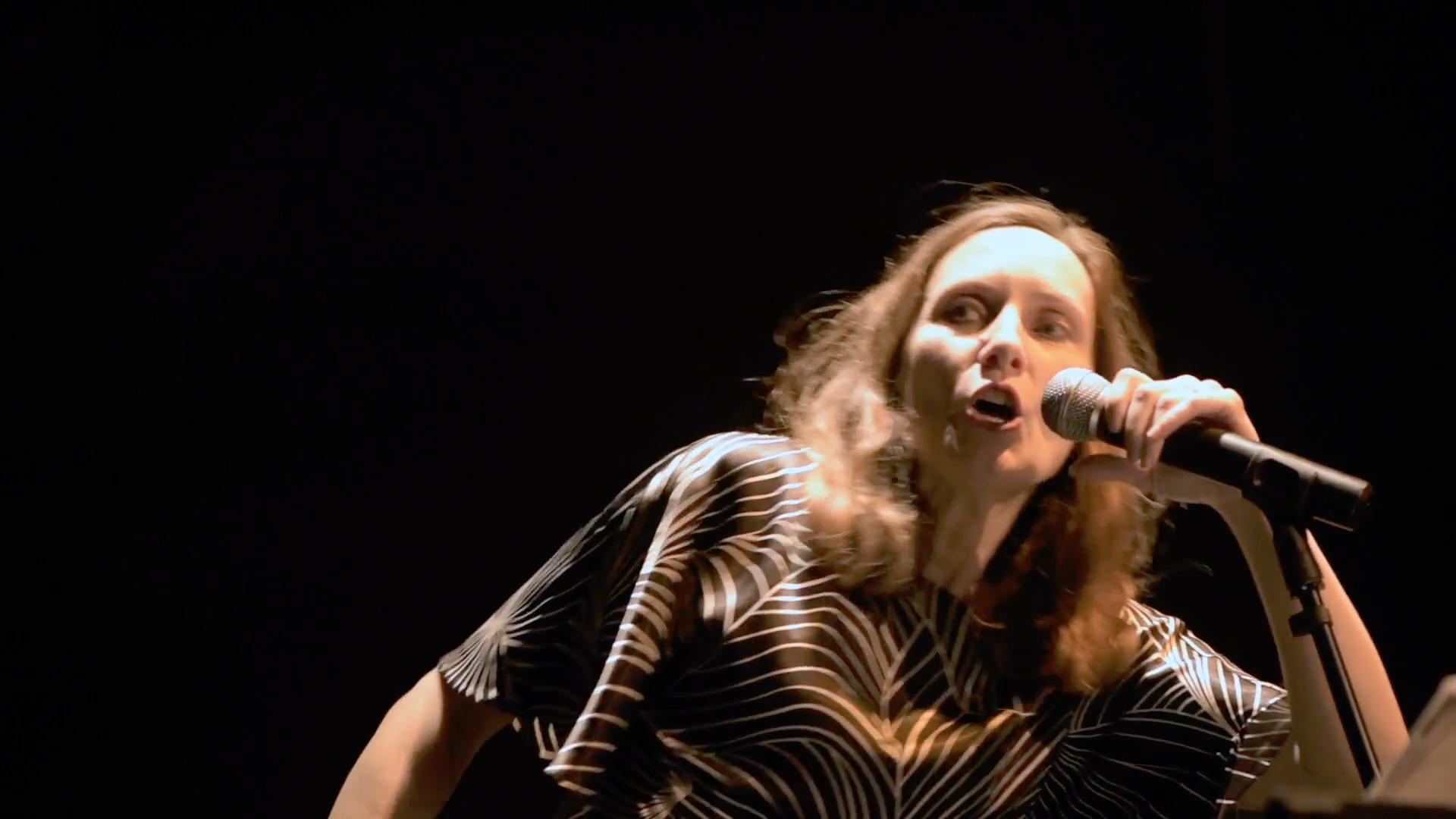 "Rosemonde Cathala dans ""Le cas Shepp"", capture @ YouTube"