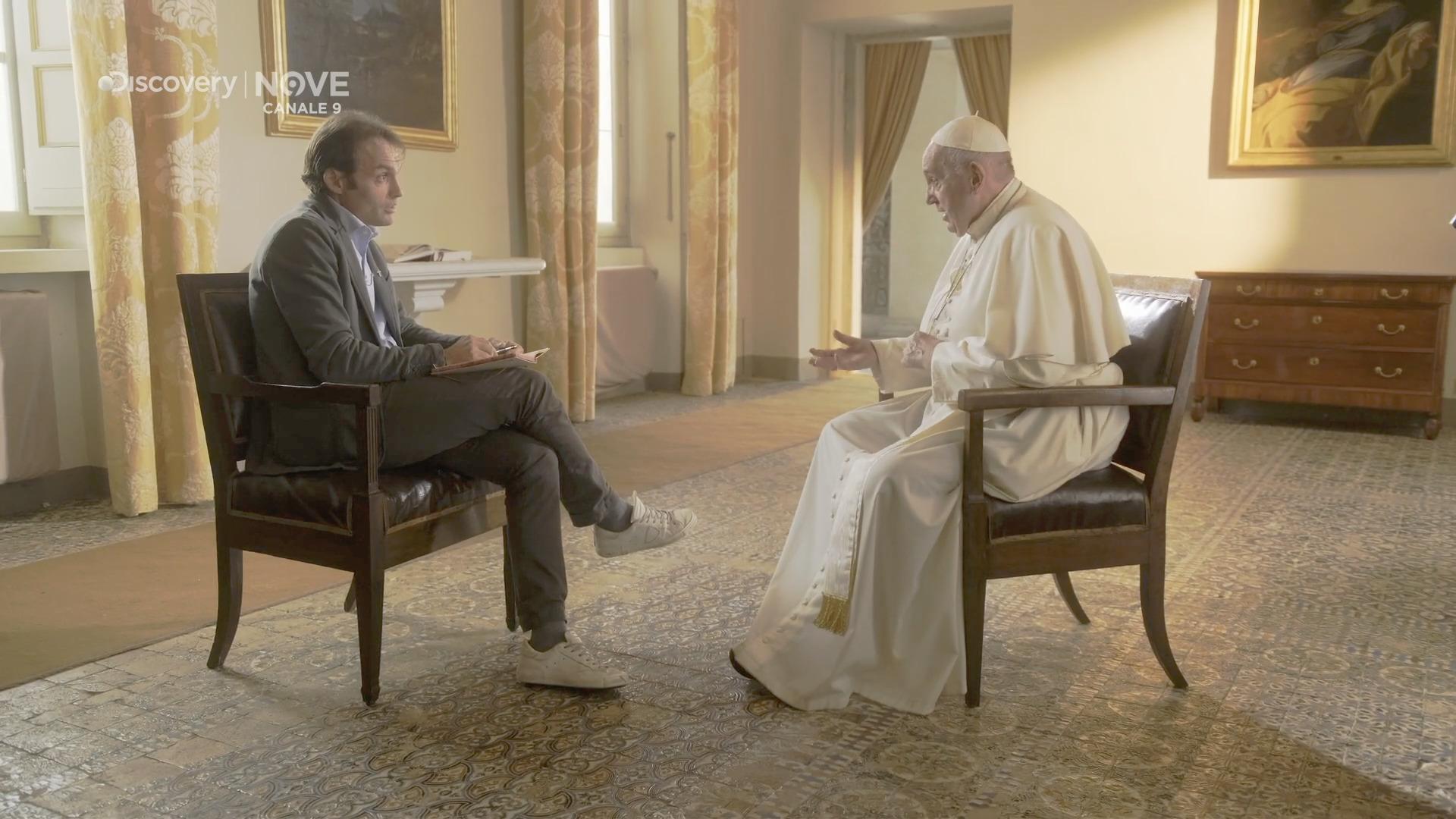 "Interview sur ""Nove"", capture @ Discoveru Italia"