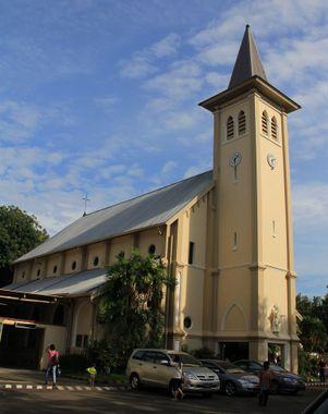 Cathédrale du Sacré-Coeur, Makassar @ indonesia-tourism.com