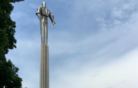 Statue en hommage à Youri Gagarine, Moscou ©Guy Consolmagno vaticanobservatory.org