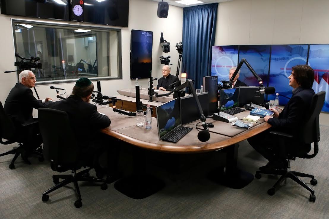 IEC de Budapest, débat @ Radio nationale hongroise
