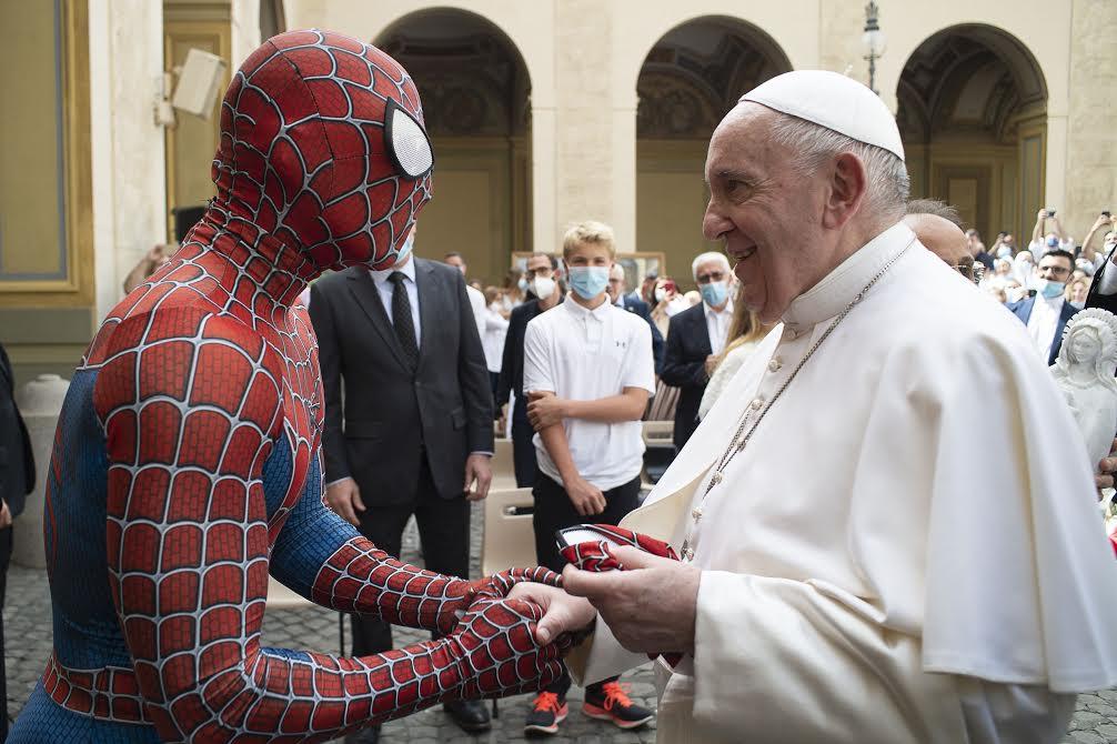 Un Spiderman à l'audience du 23 juin 2021 © Vatican Media