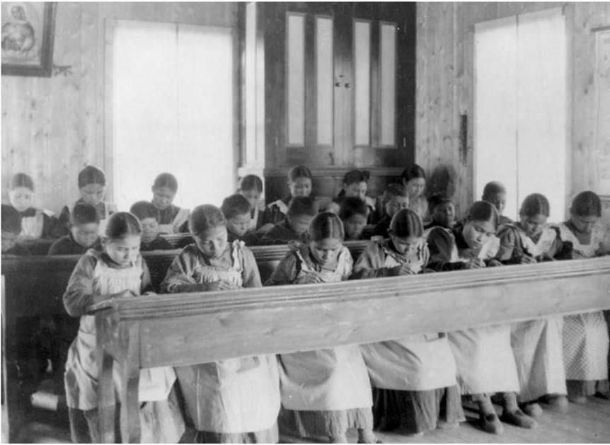 Canada, pensionnat indien catholique, [Fort] Resolution © DP, Bibliothèque et Archives Canada/PA-042133