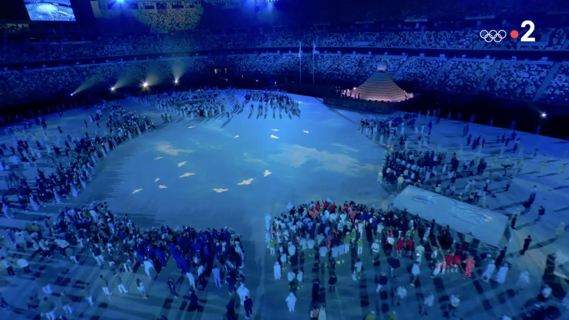 Colombes de la paix, Ouverture des Jeux olympiques de Tokyo, 23 juillet 2021, capture Zenit / France 2