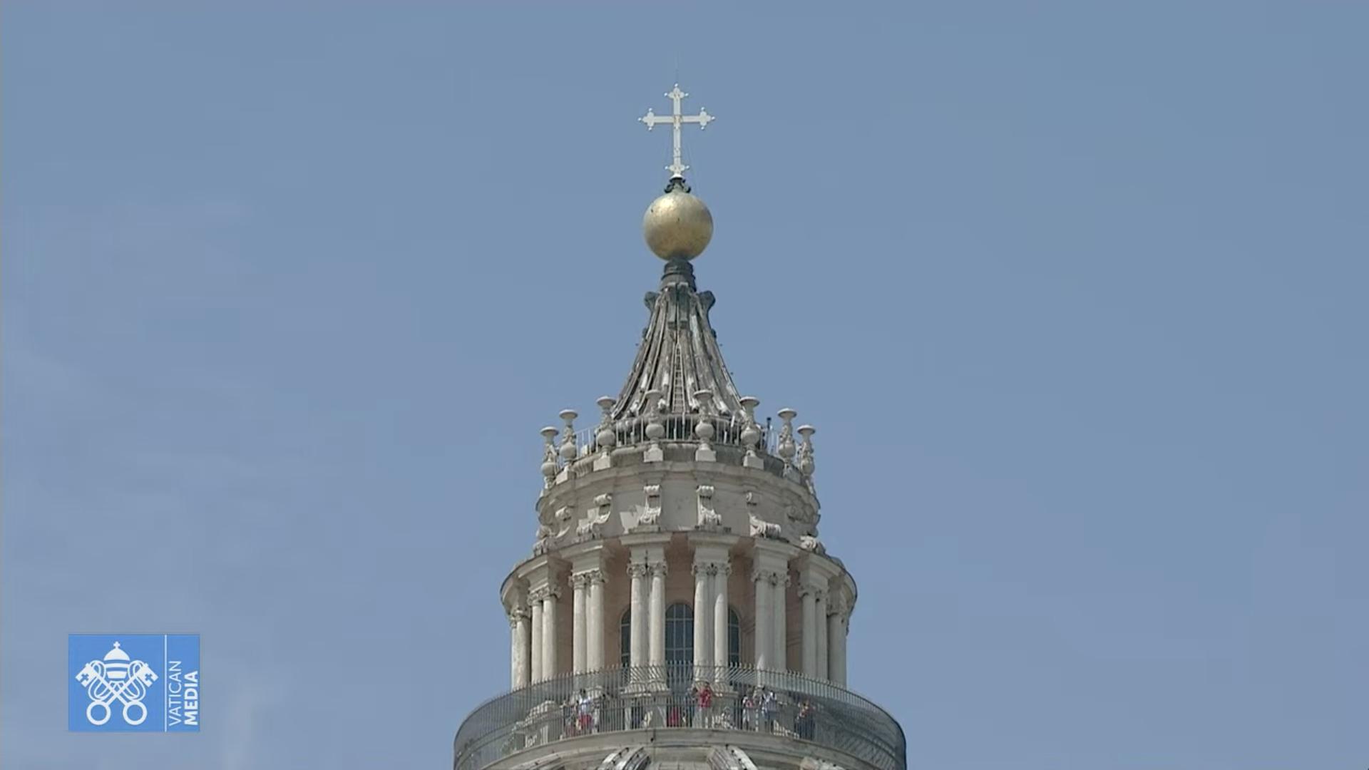 Tambour et Croix, basilique Saint-Pierre, capture 1er août 2021 / Vatican Media