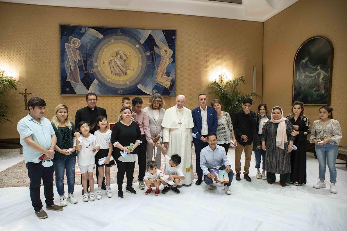 Familles chrétiennes afghanes © Vatican Media