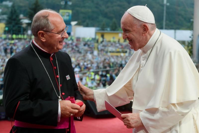 Mgr Bernard Bober, rencontre avec les jeunes à Kosice © Vatican Media