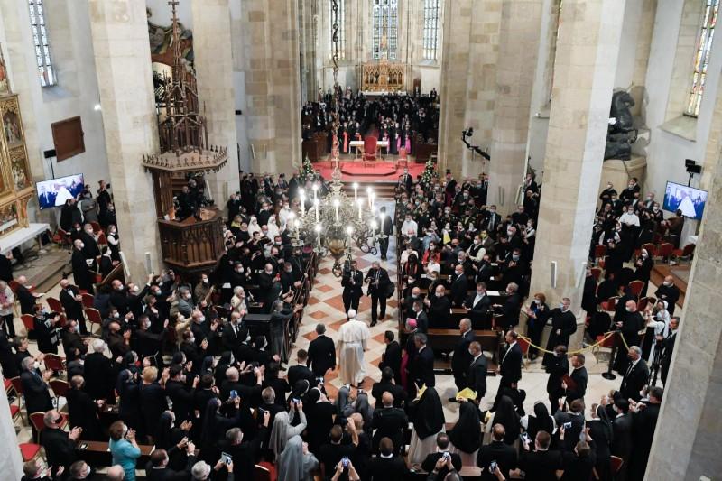 Rencontre avec les évêques, prêtres et religieux de Slovaquie © Vatican Media