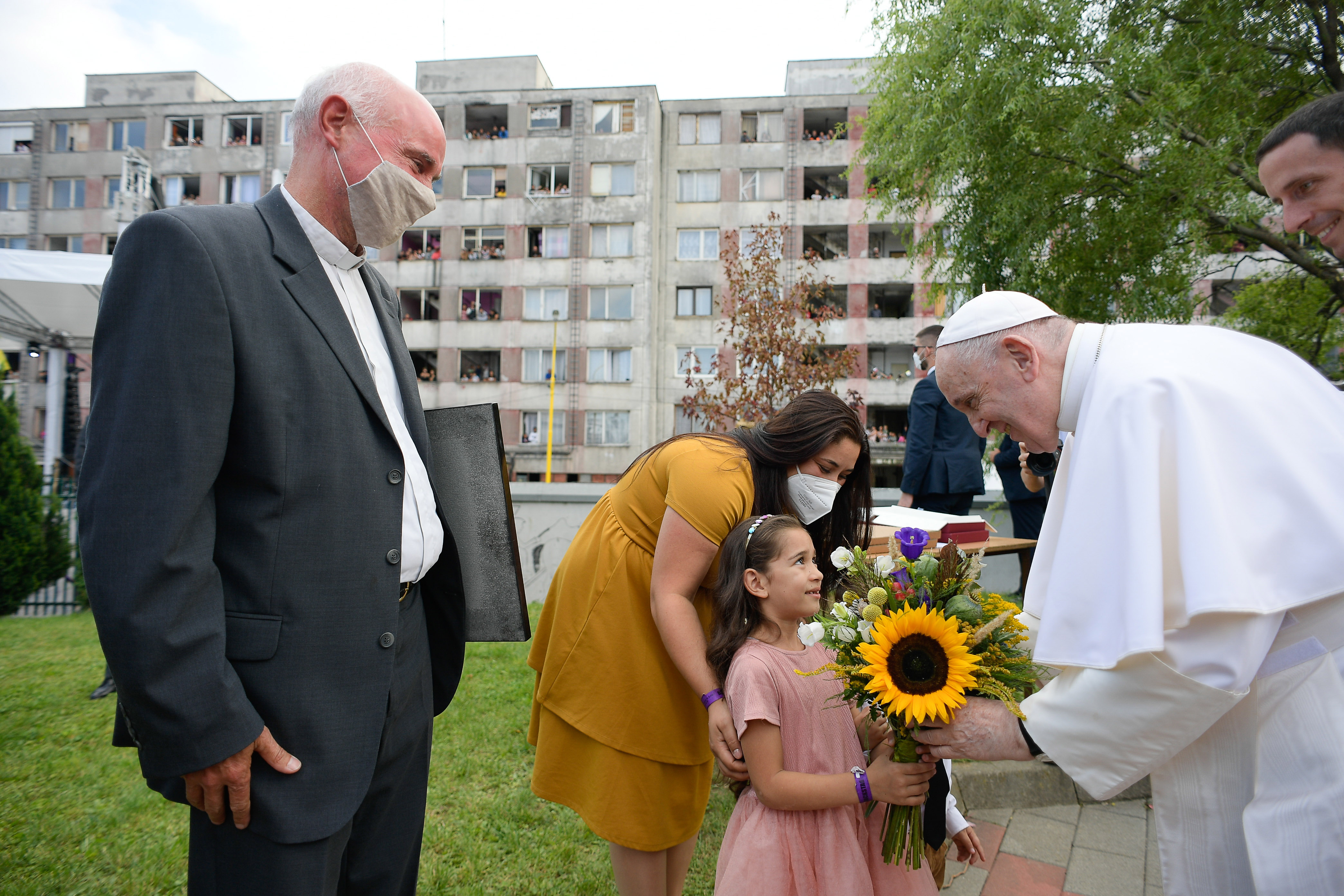 Rencontre avec les Roms à Lunik IX, Kosice, Slovaquie © Vatican Media