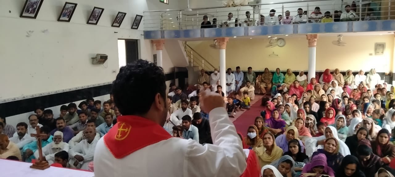 Messe en paroisse © Facebook du diocèse d'Islamabad (Pakistan)