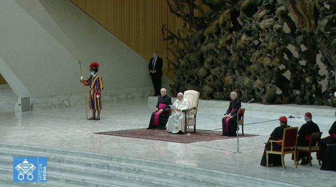«Placer les victimes au centre des préoccupations»: réaction du pape François au Rapport Sauvé