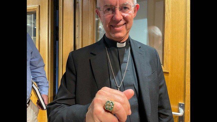 L'archevêque Welby porte l'anneau de Paul VI ©Vatican News