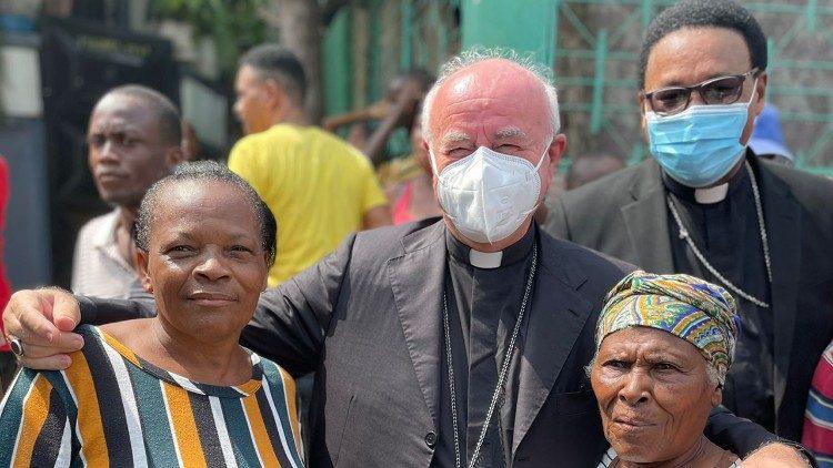 Mgr Vincenzo Paglia en Haïti © Vatican News
